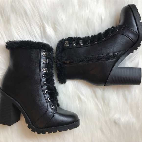 6c4ae99ceb69  NEW  EXPRESS Faux Fur Trim Heeled Combat Boots